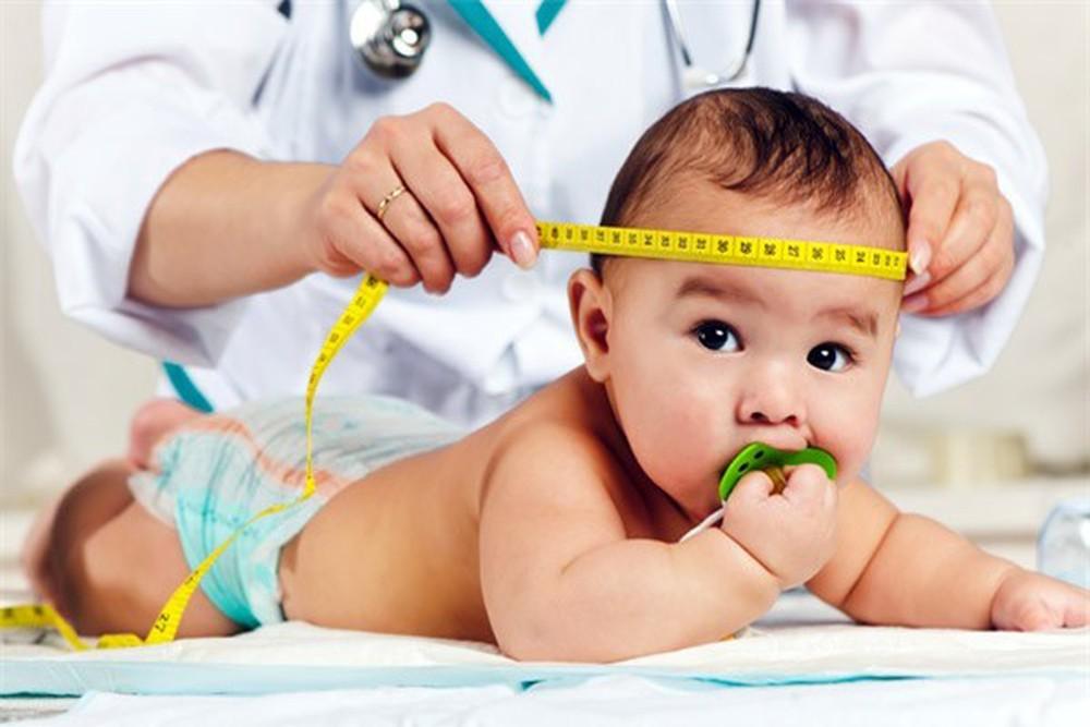 Quá trình phát triển của trẻ sơ sinh dưới 3 tháng tuổi